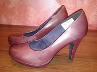Туфли женские на каблуке, 40 размер